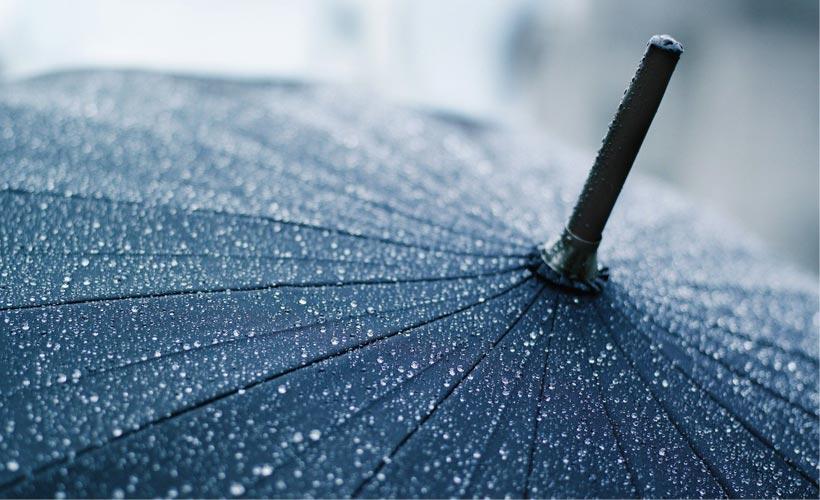 meteo-roma-previsioni-del-tempo-martedi-11-novembre-2014-pioggia-ombrello-maltempo-