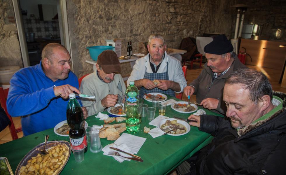 pranzo-a-base-di-agnello-adulto-66