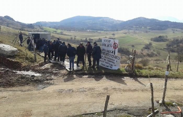 Eolico in montagna: gli allevatori elencano le ragioni della protesta