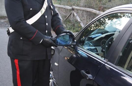 Via degli Italici, Carabinieri fermano il truffatore dello specchietto