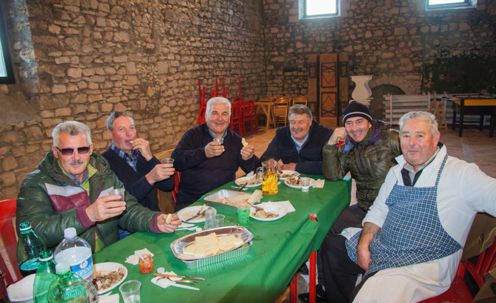 pranzo-a-base-di-agnello-adulto-81