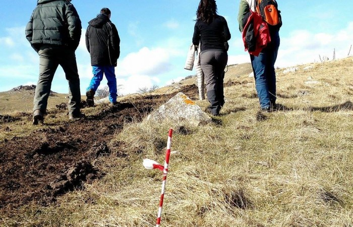 Eolico in montagna: gli espropriati bloccano le prese di possesso