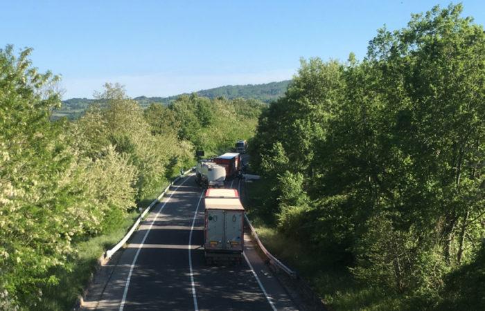 Tamponamento a catena, chiusa al traffico la SS87